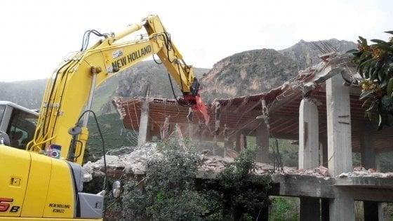 Eccesso di semplificazione: così il governo potrebbe sdoganare gli abusi edilizi