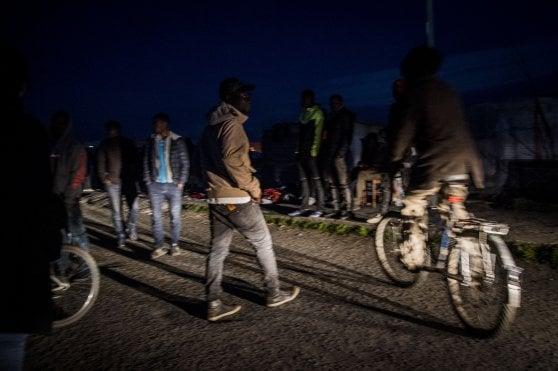 Il paradosso di San Ferdinando: sgomberata la baraccopoli in Calabria, una nuova tendopoli sta già nascendo