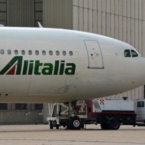 Alitalia: salvataggio in bilico, oggi vertice al Mef e sindacati pronti allo sciopero