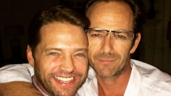 """L'addio di Jason Priestley a Luke Perry: """"Buonanotte dolce principe"""""""