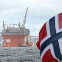 Norvegia, il più grande fondo al mondo abbandona (in parte) il petrolio