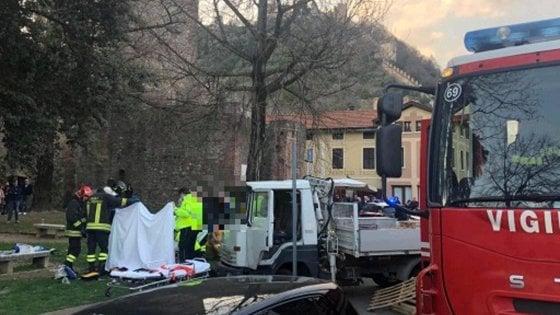 Vicenza, camion in fuga da posto di blocco travolge un passeggino: bimbo gravissimo