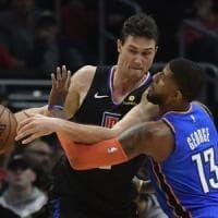 Basket, Nba: Gallinari ne fa 34, i Clippers blindano i playoff. Ok Houston e Golden State
