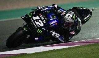 MotoGp, Qatar: pole di Vinales davanti a Dovizioso e Marquez. Rossi solo 14esimo