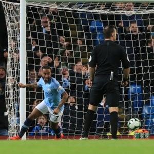 Premier League: Sterling mantiene il City al comando da solo
