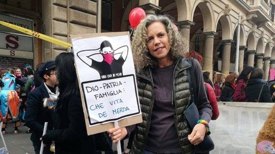 """Pd, Cirinnà e il cartello per l'8 marzo: """"Denuncio chi strumentalizza lo slogan fascista per riportarci al Medioevo"""""""