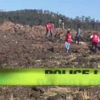 Aereo caduto in Etiopia: morti otto italiani, tra loro un archeologo, cooperanti e due funzionarie Onu