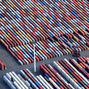 Segnali negativi dalla Germania: produzione industriale giù. Borse ottimiste sui dazi Usa-Cina