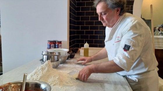 Pizza, Guglielmo Vuolo torna a Napoli, tra carta dei pomodori e ricerca della semplicità