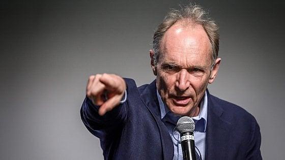 """La lettera di Berners-Lee: """"Il mio Web ha 30 anni. Ma ora va riformato"""""""
