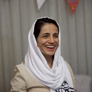 Iran, condannata a 38 anni e 148 frustate l'avvocata paladina dei diritti umani 083227429-813bf54c-3014-49a0-b4f0-825a09ca6581