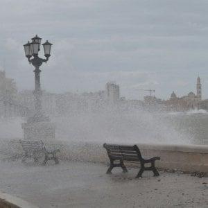 Meteo, vento spazza l'Italia. Ma nel fine settimana torna la primavera