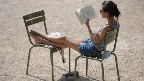 Libri tradizionali o ebook? Per i lettori il fascino della carta non si batte