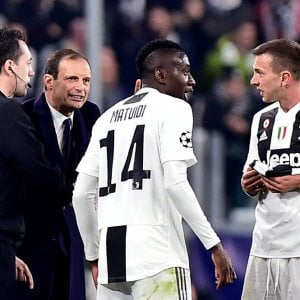 """Juventus, Allegri: """"Lucidi e senza isterismo"""". Ronaldo: """"Mi hanno preso per questo"""""""
