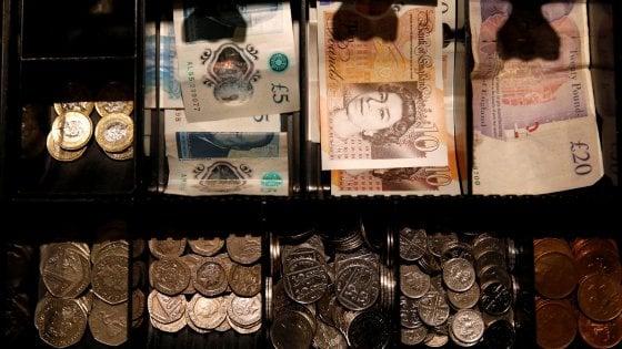 Le Borse tengono nonostante il caos Brexit. La sterlina crede in un rinvio