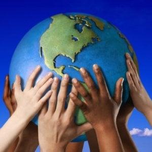 """Economia solidale, un accordo a sostegno di produttori e consumatori: """"Salvando il cibo salviamo il pianeta"""""""