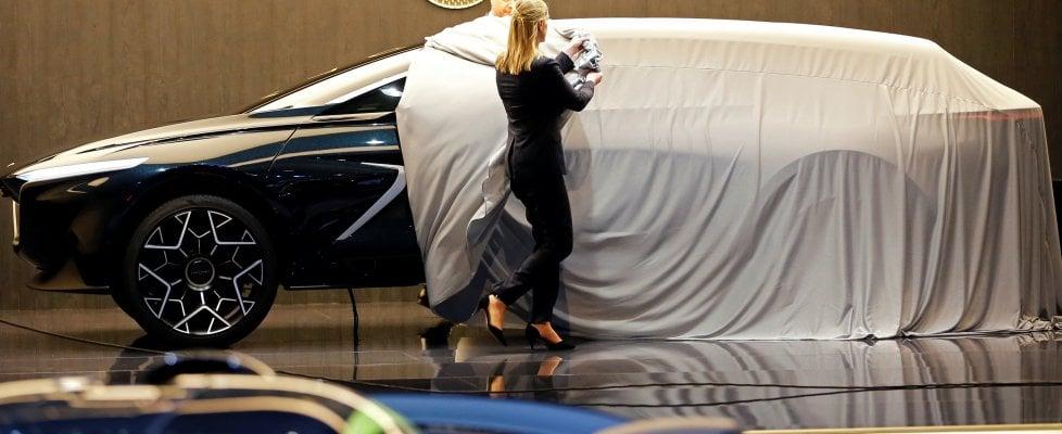 Aston Martin elettrica, James Bond viaggerà così