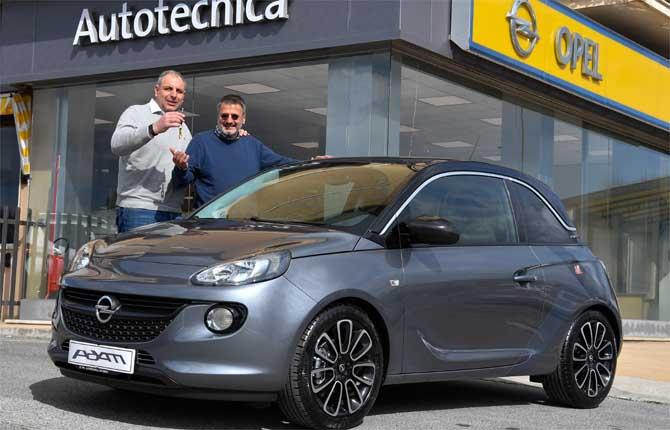 """Opel, consegnata la Adam Special Edition XF premio di """"Share Your #CityFactor"""""""