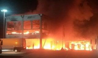 Incendio a Jerez, distrutto box delle MotoE