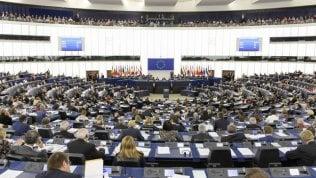 """""""Il Parlamento UE vanifica il concetto di finanza sostenibile con risorse a industrie estrattivee a chi non rispetta i diritti dei lavoratori"""""""