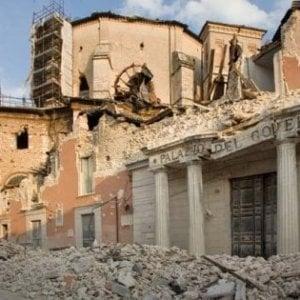 """L'Aquila si dimette il sindaco: """"Governo assente e politici locali autoreferenziali"""""""