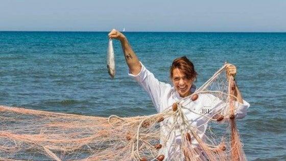 Deborah Corsi, il sorriso gourmet sul mare di San Vincenzo