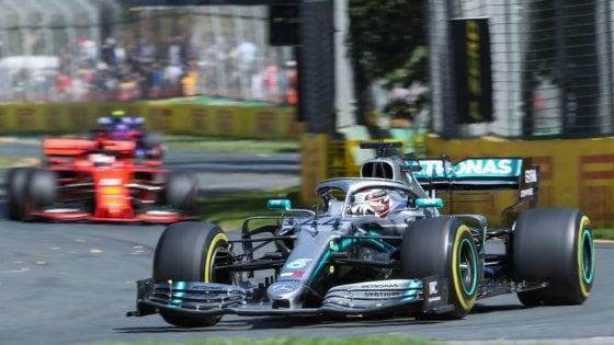 F1, Gp Australia; Hamilton vola nelle libere, Vettel insegue