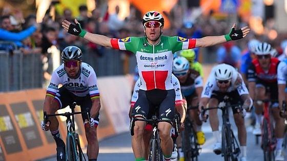 Ciclismo, Tirreno-Adriatico: Viviani vince lo sprint, battuti Sagan e Gaviria