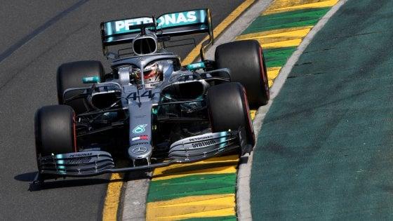 F1, Gp d'Australia: dominio Mercedes. Pole per Hamilton, le Ferrari terza e quinta