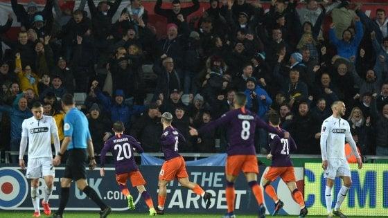 Fa Cup, il Man City trema ma va in semifinale: da 2-0 a 2-3 con lo Swansea. Fuori lo United