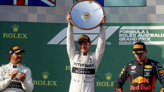 F1, Gp Australia: dominio Mercedes, vince Bottas davanti a Hamilton. Ferrari fuori dal podio, quarto Vettel