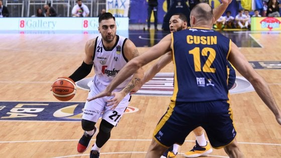 Basket, Bologna passa a Torino 64-80: buona la prima per Djordjevic in campionato