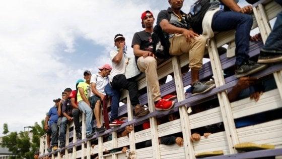 I diseredati dell'Honduras, la carovana che fugge dai narcotrafficanti
