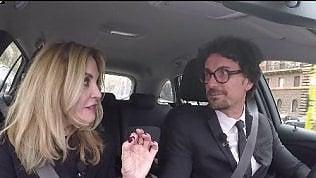 """Toninelli: """"Avanti con l'elettrico"""".Ma compra un suv diesel"""