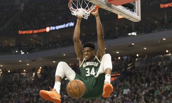 Basket, Nba: Clippers vedono playoff. A Est cadono Milwaukee e Toronto