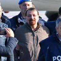 Battisti, al via udienza a Milano. La difesa: