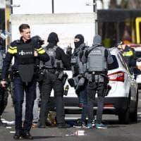 Utrecht, 3 morti e 5 feriti. Arrestato il responsabile della sparatoria. La polizia:...