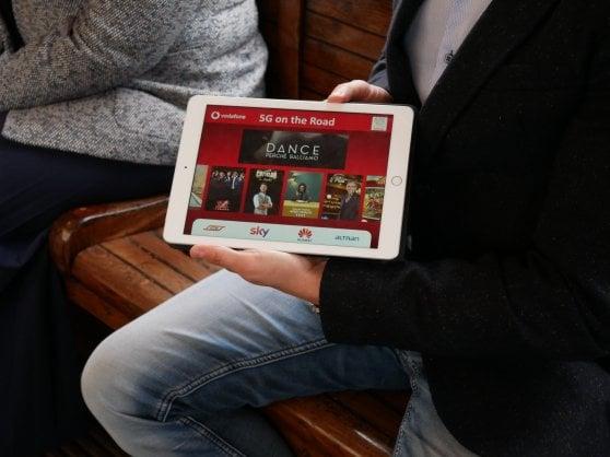 Streaming 4K in mobilità e un doc per i turisti: i test 5G secondo Vodafone