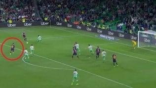Il magico pallonetto di Messiche conquista i tifosi rivali