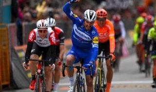 Ciclismo, Tirreno-Adriatico: Viviani gioca di squadra, e Alaphilippe vince lo sprint