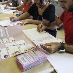 Sondaggi, il Pd scavalca il Movimento Cinque Stelle nella campagna elettorale verso le Europee