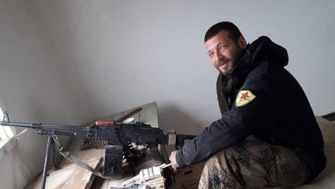 La morte dell'italiano anti-Isis colpito alle spalle da una buca Foto