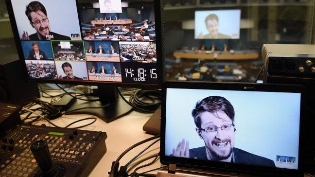 """Snowden: """"Le spie Usa in azione in Italia per influenzare le scelte economiche e politiche"""""""