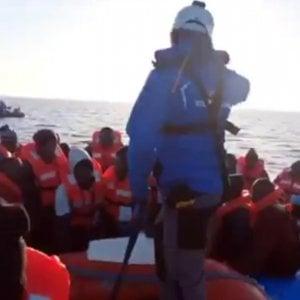 """Migranti. Salvini: """"In Italia non mettono piede.  Mare Ionio nave dei centri sociali"""""""