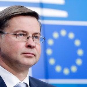 Dombrovskis avverte l'Italia sui conti: Riveda i numeri della Manovra