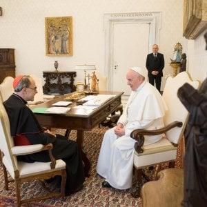 Pedofilia, Papa Francesco non accetta le dimissioni di Barbarin. Ma lui si ritira