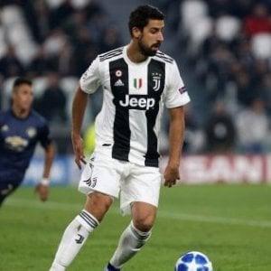 Juventus, Khedira e Douglas Costa: in corso l'operazione recupero