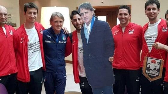 iDisperati Football Club, Mancini ct della squadra allenata via social