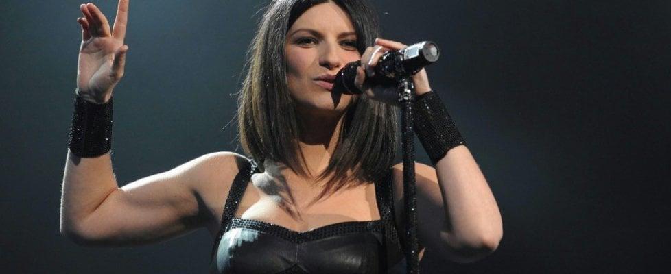 Laura Pausini infuriata, rubato e pubblicato il duetto inedito