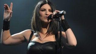 Rubato e fatto circolare su Whatsapp il nuovo inedito duetto di Pausini e Antonacci